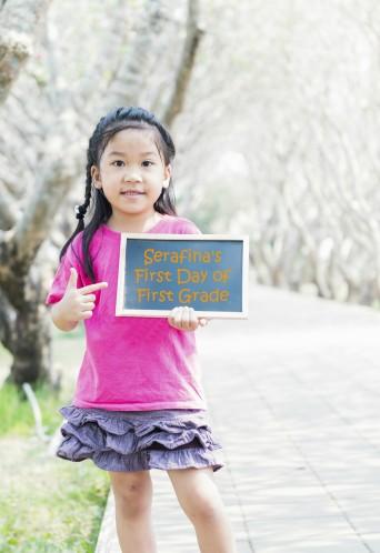 BacktoSchool-GirlwithBlankSign